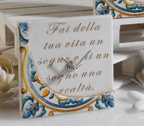 Orologio resina con decoro maiolica colorata con scatola. CM 11x11 MADE IN ITALY
